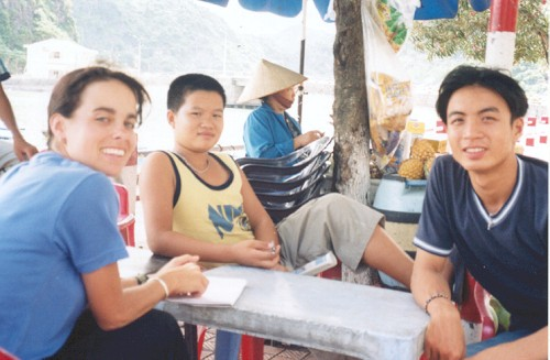Pic of Jodi and Vietnamese youths on Cat Ba island